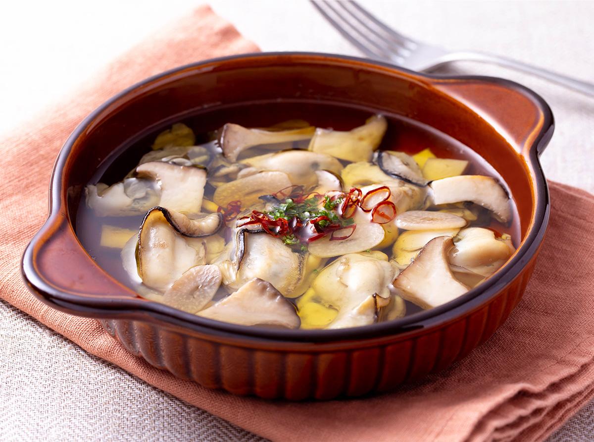 牡蠣とエリンギのアヒージョ