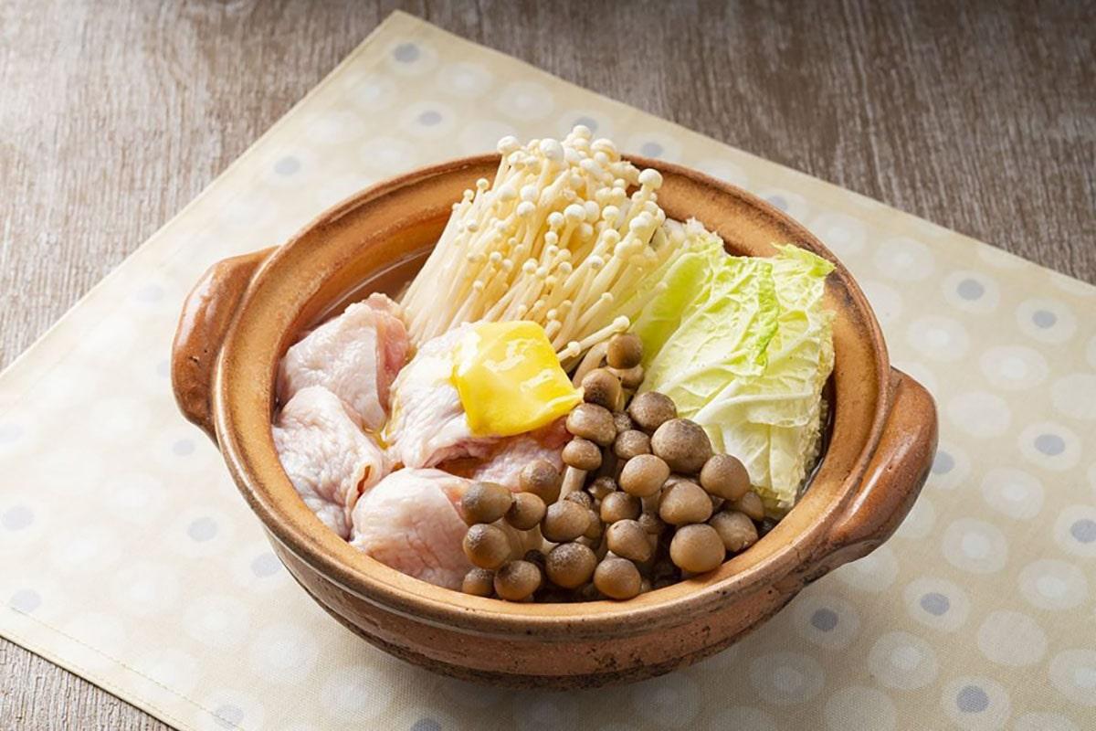 鶏ときのこの塩バター鍋